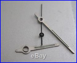 Set of hands for Universal Geneve polerouter